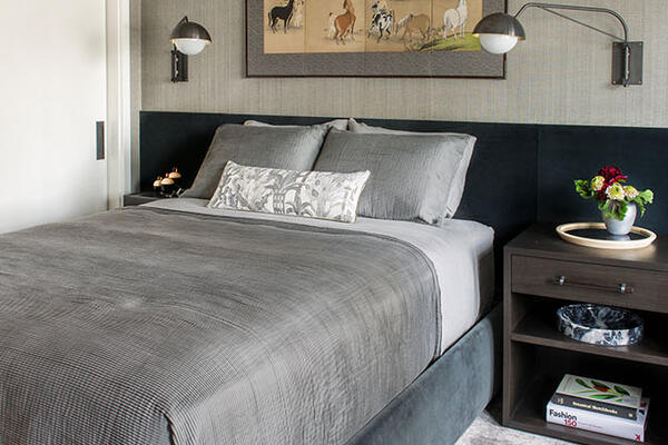 Luxury Residential Home Construction - Drake Tower Chicago bedroom