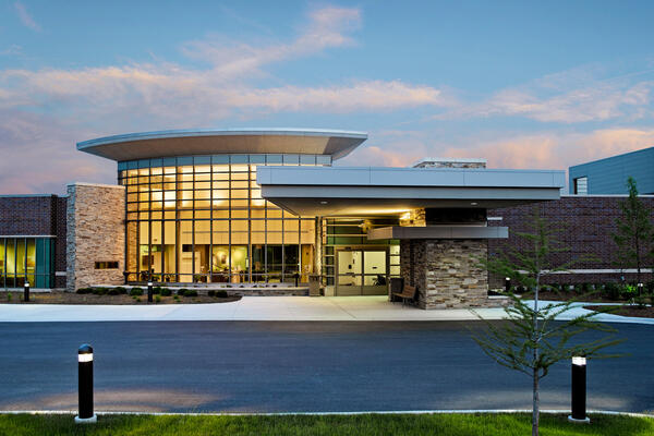 Healthcare Construction Solutions - Kishwaukee Cancer Center exterior entrance and driveway