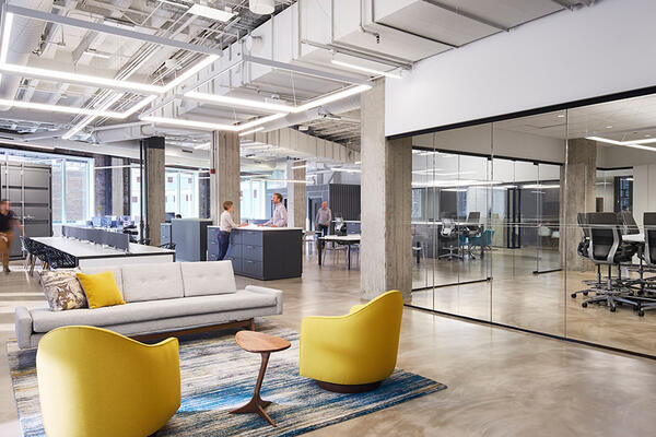 Chicago Office Construction - Kelloggs Merchandise Mart lounge collaborative space