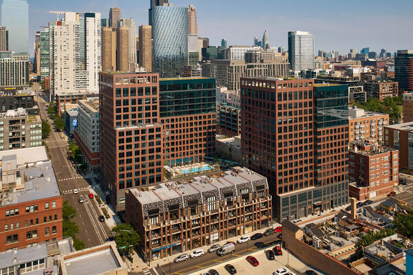 Luxury Apartment Development Chicago - Union West exterior view