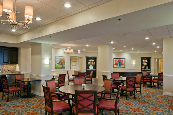 Senior Living Construction - Presbyterian Homes Lake Forest dining room