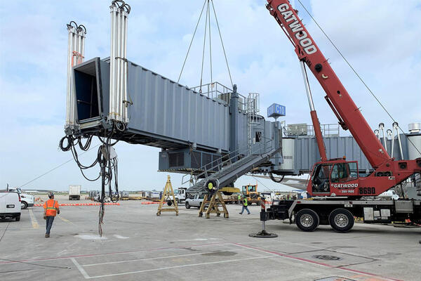 Power Construction United Airlines O'Hare